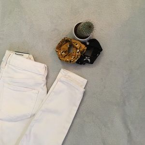 NWT Women's White Old Navy Ankle Jeans